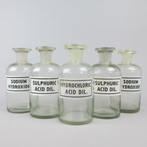 Chemist bottles / acid etc (x 5)